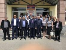 Մարզպետ Աշոտ Սիմոնյանն Արագածի եւ Ապարանի տարածաշրջաններում  հանդիպեց դպրոցների տնօրենների եւ համայնքների ղեկավարների հետ