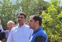 Սուրեն Պապիկյանը եւ Աշոտ Սիմոնյանն այցելեցին   Աշտարակի քաղաքային զբոսայգի