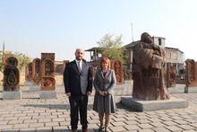 Ստարա Զագորայի պատվիրակությունը ծանոթացավ Արագածոտնի մարզի պատմամշակութային վայրերին և  այցելեց Աշտարակի Ներսես Աշտարակեցու անվան հիմնական դպրոց